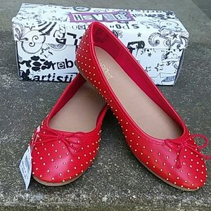 New! Red flats